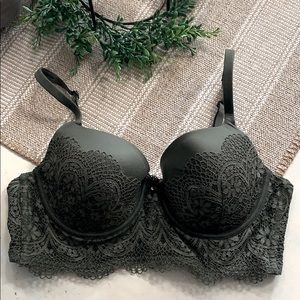 Victoria's Secret Body by Victoria Bustier 36C